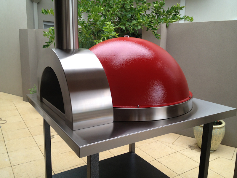 Zesti Z110 Woodfired Oven Red