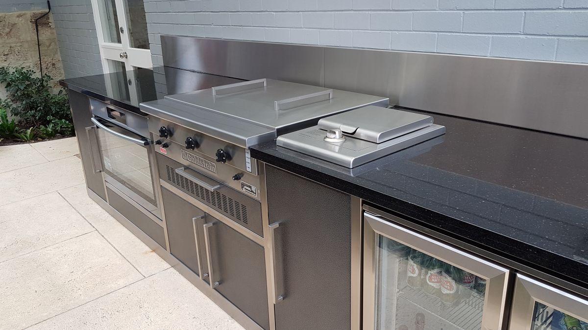 Alfresco kitchens perth zesti woodfired ovens alfresco for Diy kitchen cabinets perth