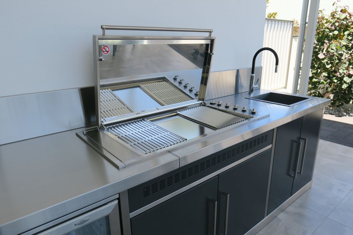 Alfresco kitchens perth zesti woodfired ovens alfresco for Outdoor kitchen designs australia